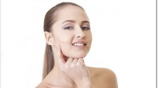 ちふれのBBクリームの口コミ!簡単、便利、効果的で安価なのでとても助かっています!